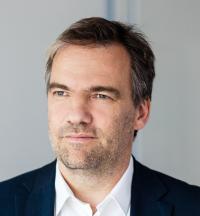 Stephan Noller ist CEO bei Ubirch, einem Unternehmen, das mit Hilfe der Blockchain IoT-Prozesse absichert.