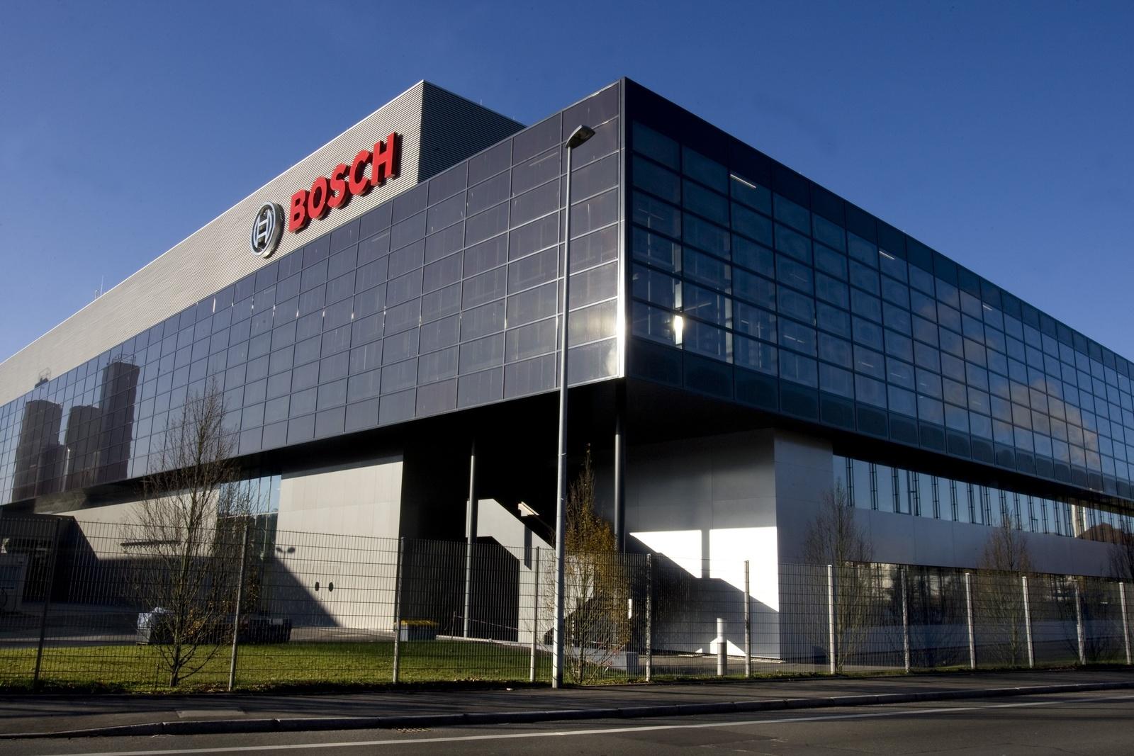Im Halbleiterwerk in Reutlingen werden seit 1971 Halbleiter gefertigt. Das Werk beteiligt sich jetzt aktiv am internationalen Forschungsprojekt 5G-SMART mit dem Ziel, das Potenzial des neuen Kommunikationsstandards in realen Produktionsumgebungen zu erproben.